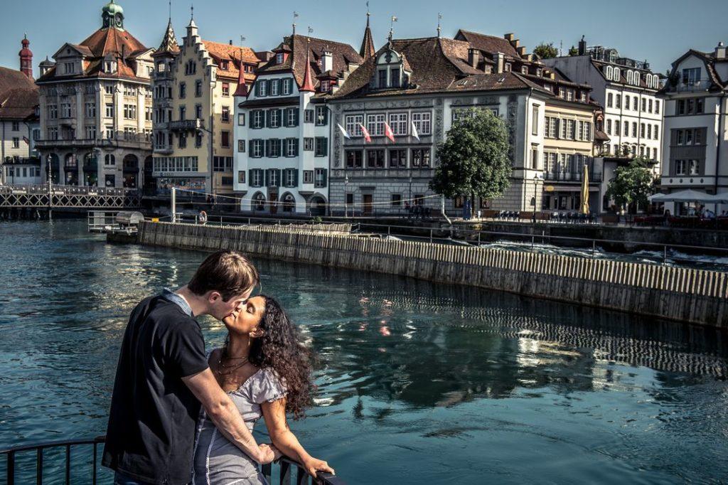 Séance d'engagement en Suisse à Lucerne